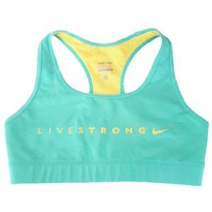 🏋️♀️ 2/$35 🏋️♀️Nike Pro Sports bra
